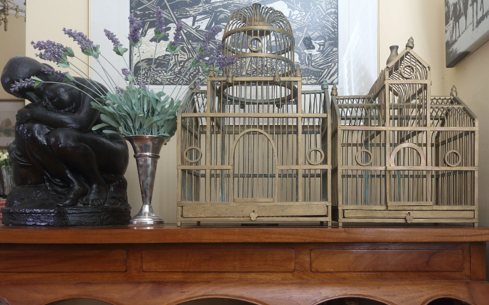 Birdcages entrance table